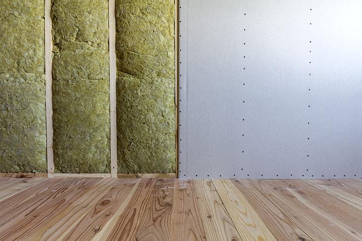 Pourquoi isoler un mur est totalement inutile pour un professionnel de la nuit